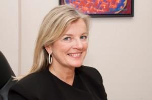 Dr Angela Genge